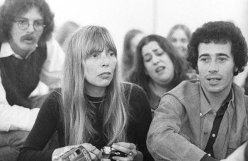 Joni Mitchell, Cass Elliot and David Geffen at Boyd Elder's 'Chingadero Show.' Photo: Henry Diltz.
