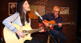 Sara Niemietz and Snuffy Walden on 'House Blend.' Photo: (c) Stephen K. Peeples.