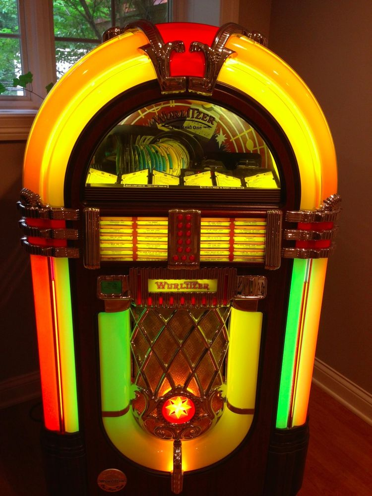 Reflections on Solid State Neon Faces jukebox
