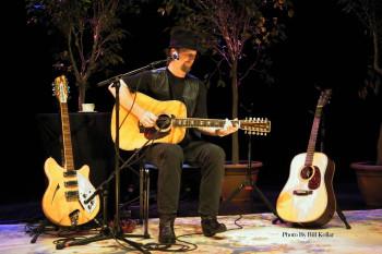 Roger McGuinn onstage