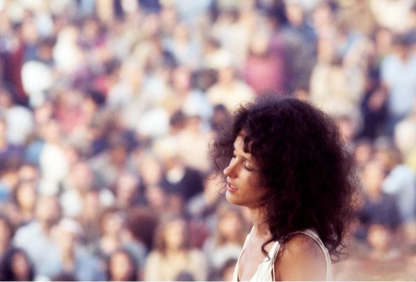 Grace Slick of Jefferson Airplane, Woodstock, Aug. 17, 1969. Photo: Henry Diltz. Used with permission.