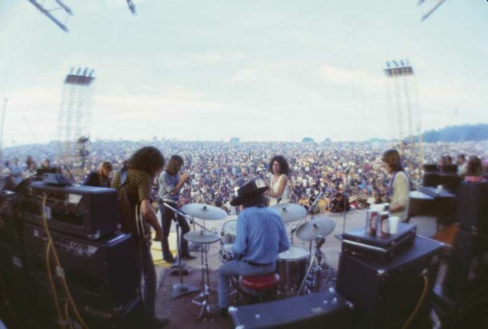 Jefferson Airplane at Woodstock, Aug. 17, 1969. Photo: Henry Diltz. Used with permission.