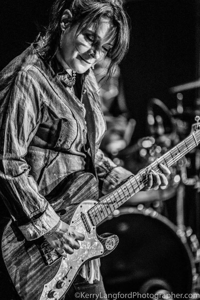 john mayall guitarist carolyn wonderland